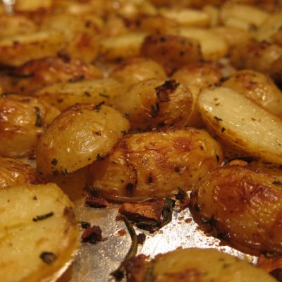 Rosemary Garlic Roasted Potatoes | stephgaudreau.com