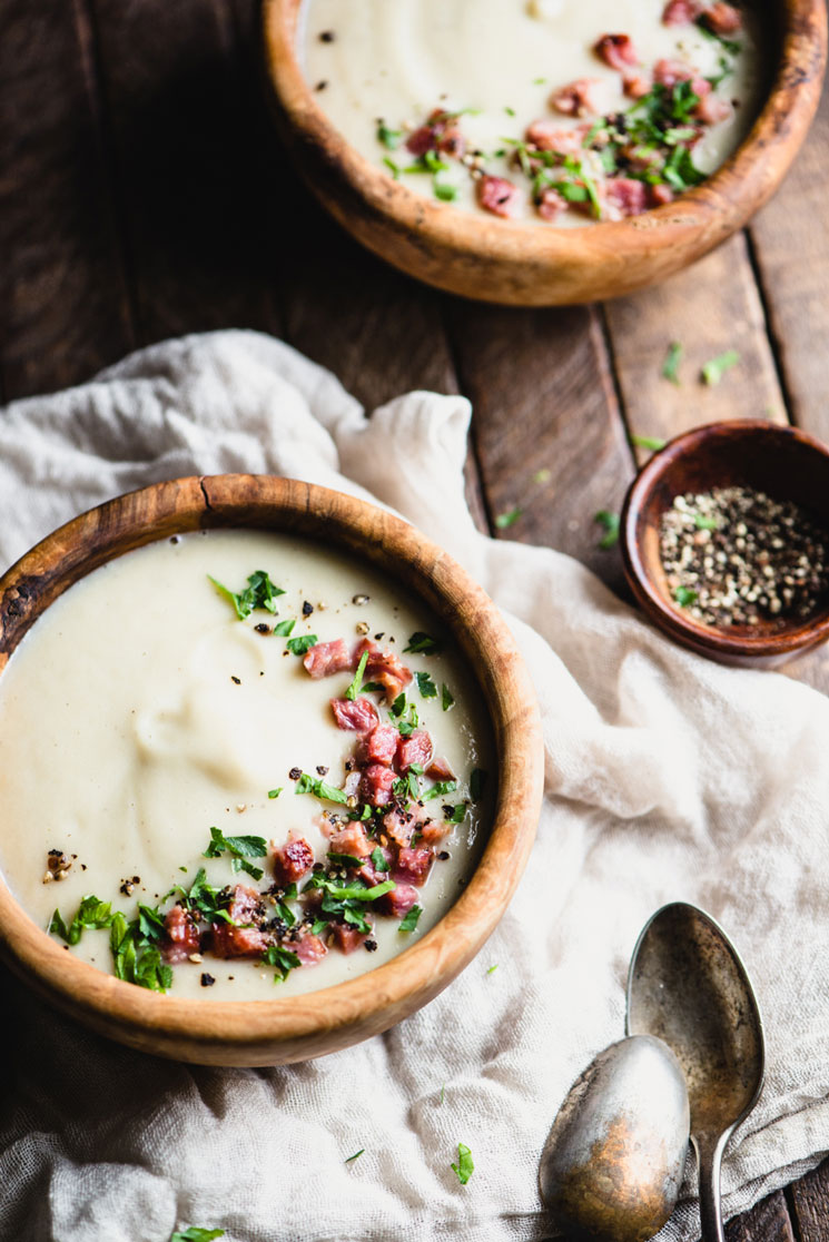 You'll never believe this Creamy Leek Soup Recipe is dairy-free and so incredibly flavorful! It's also paleo, gluten-free, and Whole30. | StupidEasyPaleo.com