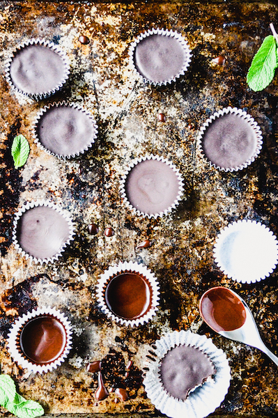 Dark Chocolate Mint Coconut Butter Cups are just like a peppermint patty but paleo-friendly! Makes the perfect homemade holiday gift. | StupidEasyPaleo.com