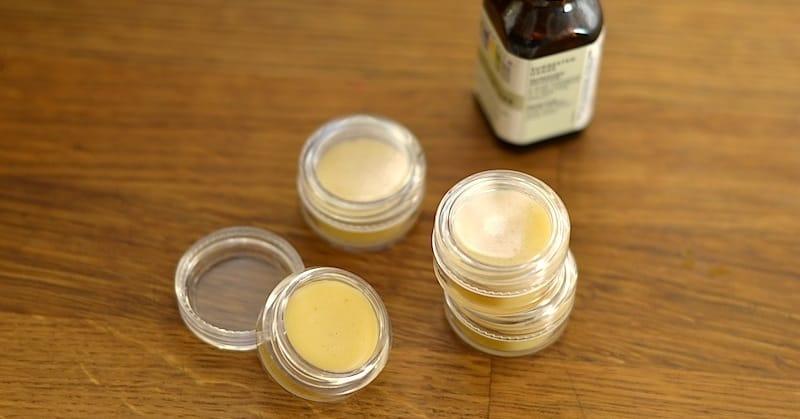 Homemade Vanilla Lemongrass Lip Balm | stephgaudreau.com