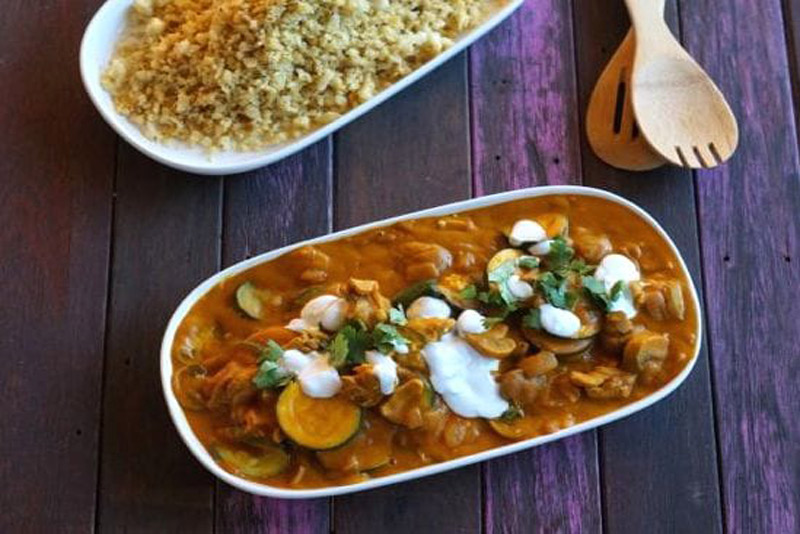 Easy Paleo Chicken Curry—The Merrymaker Sisters | stupideasypaleo.com