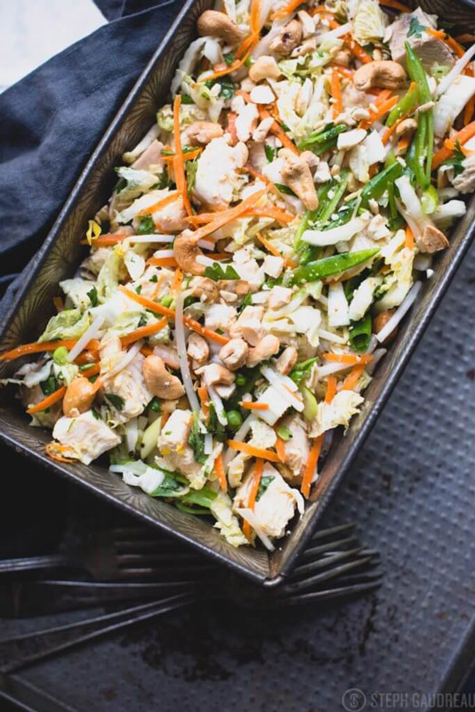 This Chinese Chicken Salad makes an easy pack-ahead lunch, and it's loaded with crispy veggies, healthy protein, and tasty dressing. | StupidEasyPaleo.com
