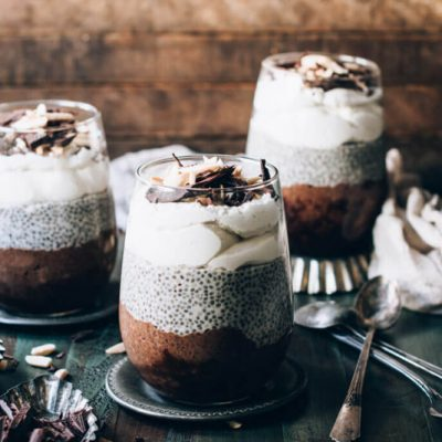 The flavors of coffee, chocolate, vanilla, and almond get cozy in this dairy-free and alcohol-free Irish Coffee Chia Parfait recipe! | StupidEasyPaleo.com