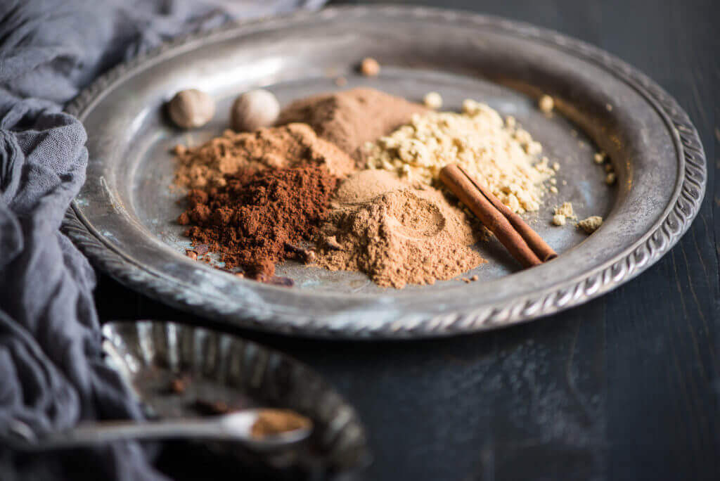 Homemade Gingerbread Spice Mix is so easy to make with just a few simple ingredients...add it to coffee or hot cocoa for a festive treat! | StupidEasyPaleo.com